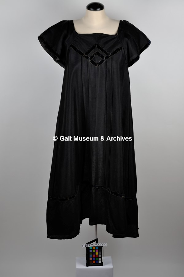 ec428550e84d Clothing-Outerwear found 846 records • Galt Museum   Archives ...